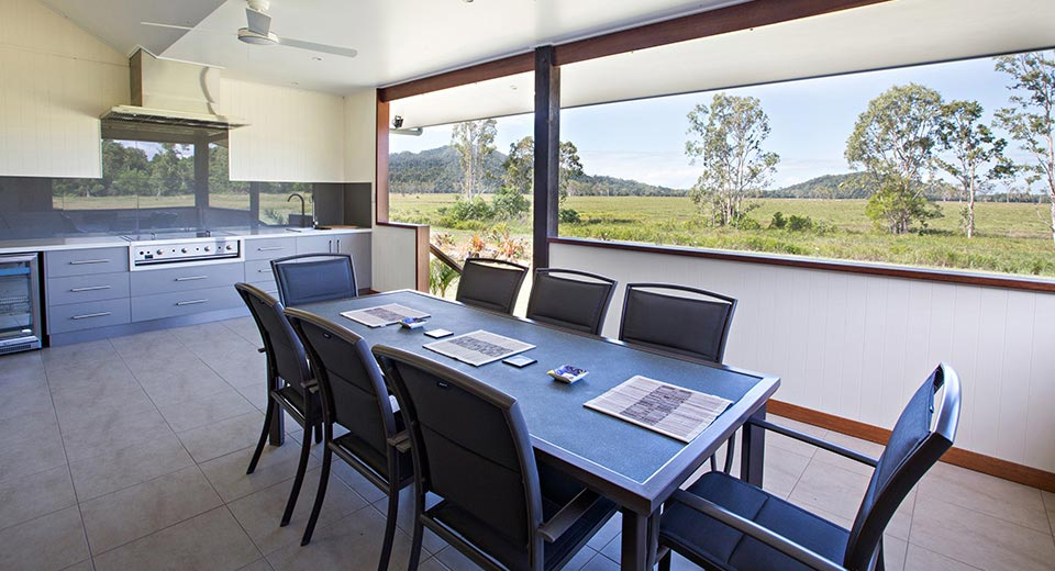 Accommodation for entertaining and outdoor dining